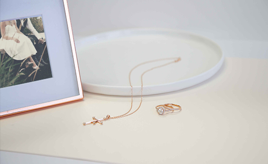 Rose gold jewellery for your wedding day