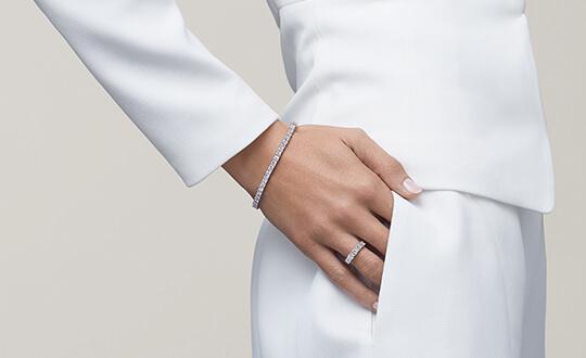 anniversary diamond tennis bracelet from Shimansky