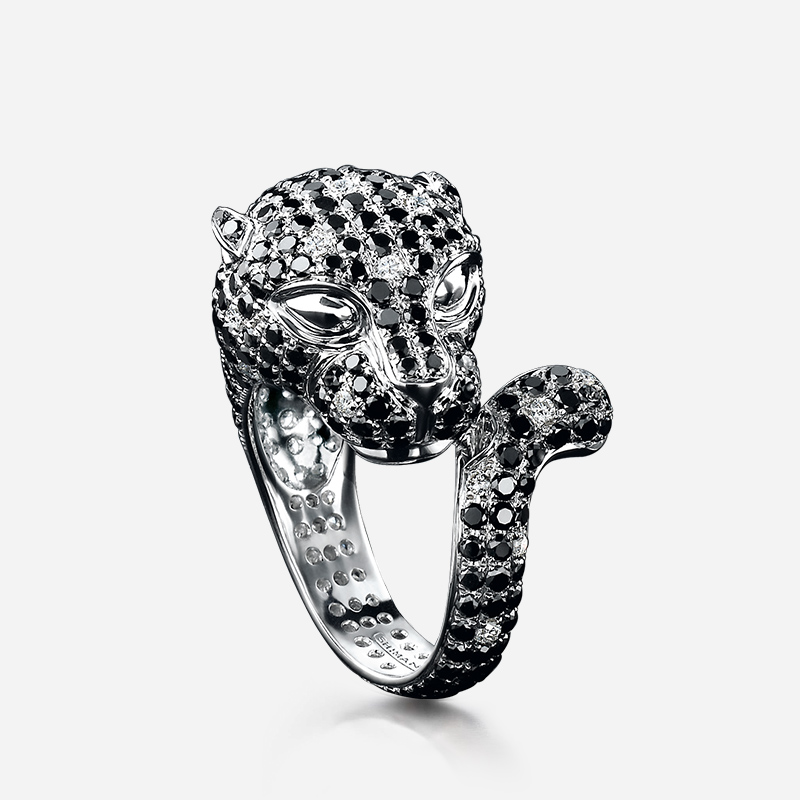 02-black-and-white-panther-diamond-ring-02