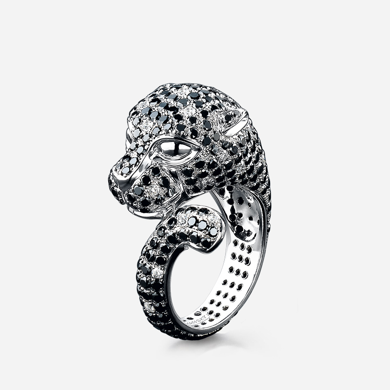 02-black-and-white-panther-diamond-ring-03