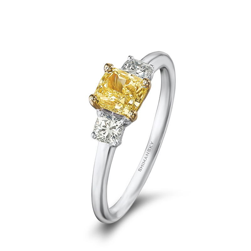 30-cushion-cut-fancy-yellow-diamond-ring-set-with-cushion-cut-side-diamonds-01