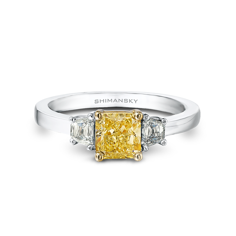 28-claw-set-cushion-cut-yellow-diamond-trilogy-ring-set-with-criss-trapese-cut-diamonds-02