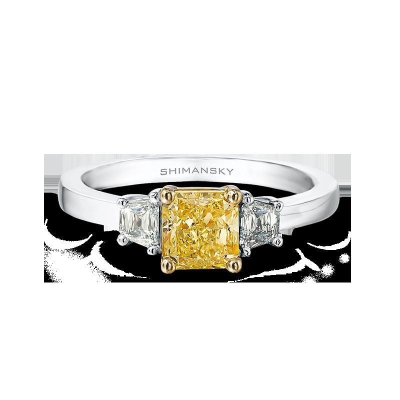 28-claw-set-cushion-cut-yellow-diamond-trilogy-ring-set-with-criss-trapese-cut-diamonds-02