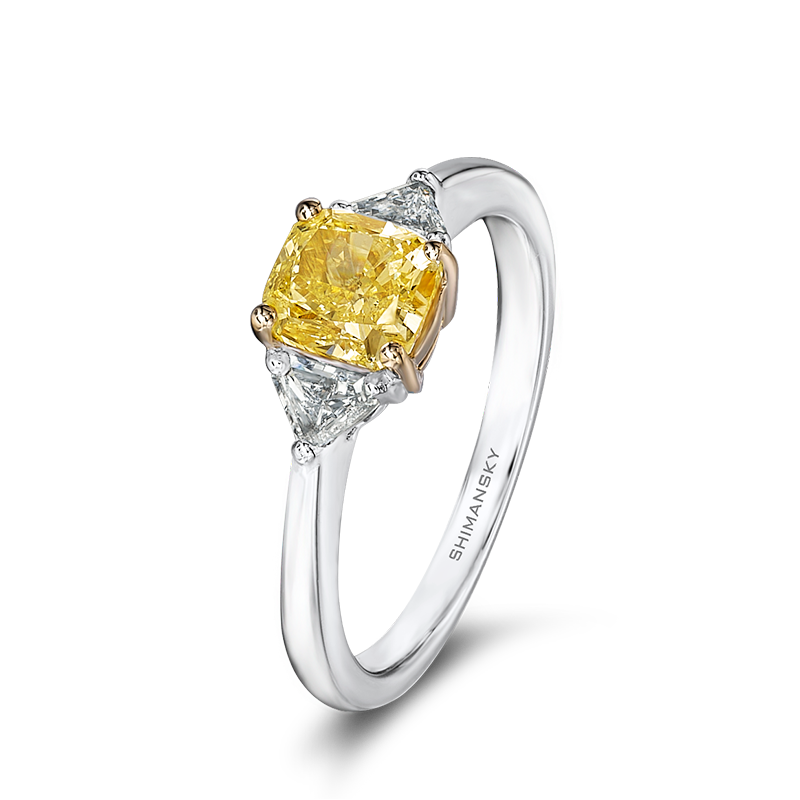 29-claw-set-square-cushion-cut-fancy-yellow-diamond-ring-set-with-trilliant-cut-diamonds-01
