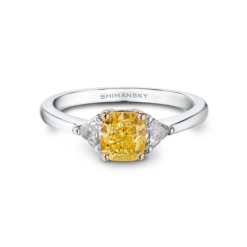 29-claw-set-square-cushion-cut-fancy-yellow-diamond-ring-set-with-trilliant-cut-diamonds-02