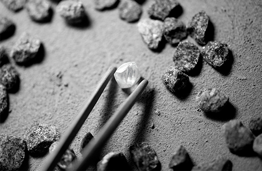 Shimansky selecting only the best rough diamonds