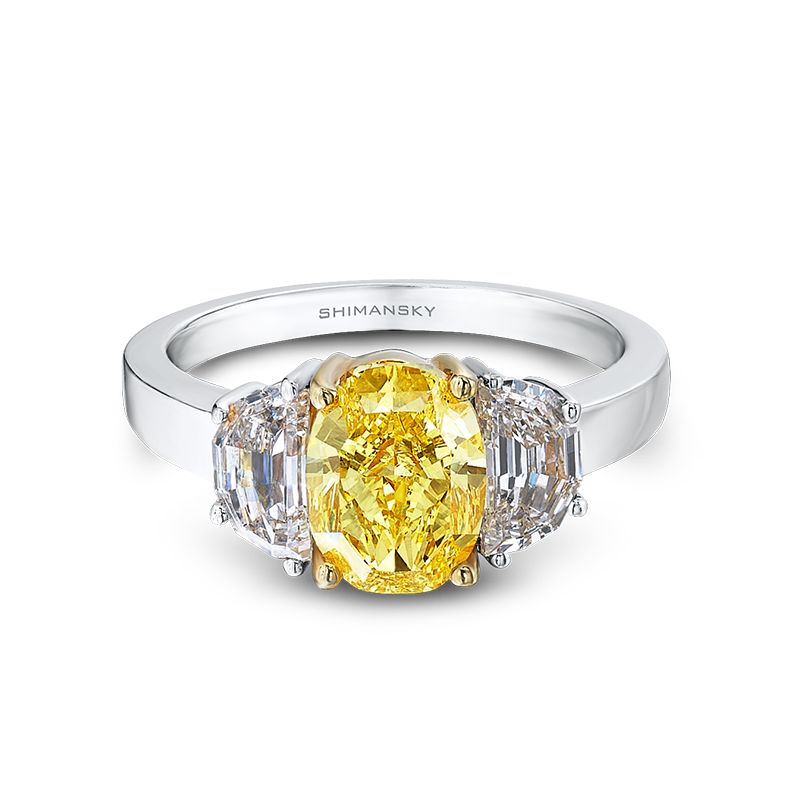 05-claw-set-fancy-yellow-diamond-trilogy-ring-02