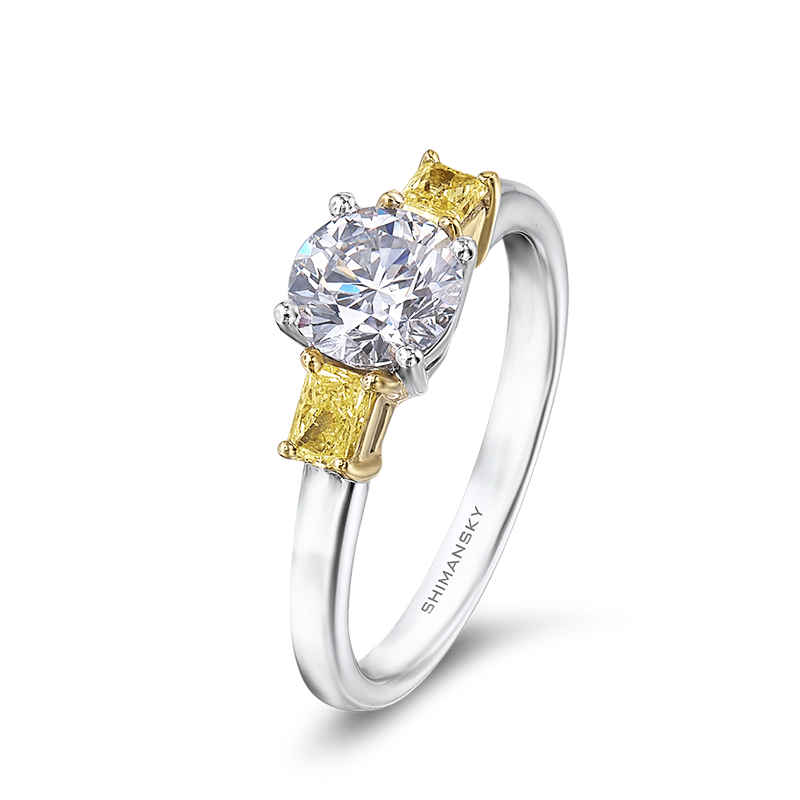 27-claw-set-round-brilliant-diamond-with-fancy-yellow-side-diamonds-01