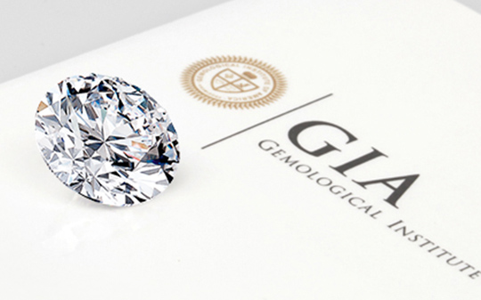 Internationally recognise diamond colour grading with GIA