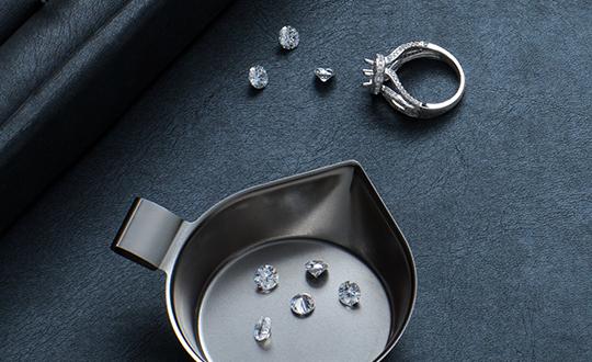 Discover Shimansky Round Brilliant Cut Diamonds